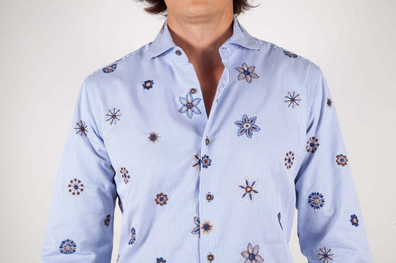 Fashion shirt, soft collar with embroidery